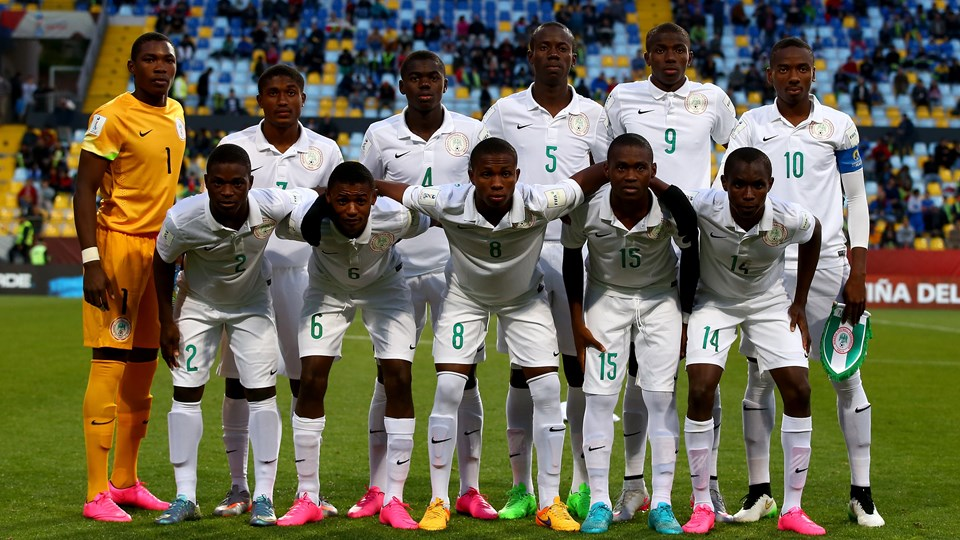 The team of Nigeria and of Australia line up before the FIFA U-17 Men